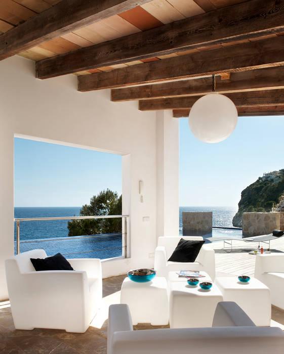 Casa en Andratx Balcones y terrazas de estilo minimalista de Octavio Mestre Arquitectos Minimalista