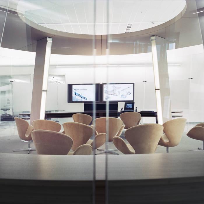 Siemens AG / Siemens Airport Center:  Geschäftsräume & Stores von Marius Schreyer Design