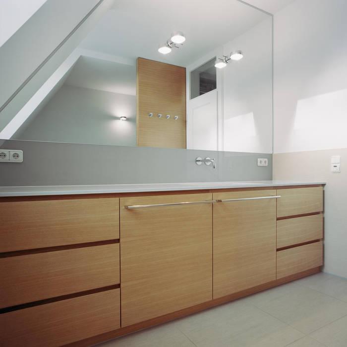 Stadtvilla in Nürnberg:  Badezimmer von Marius Schreyer Design