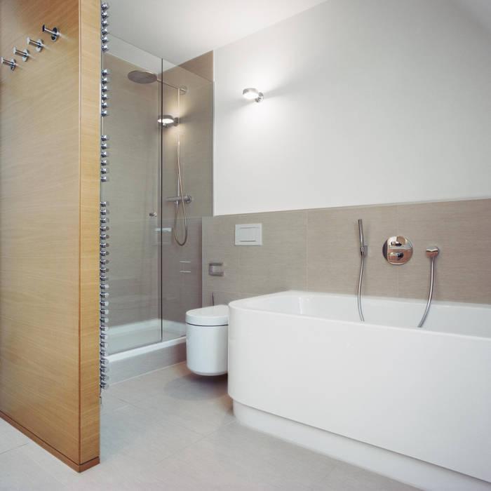 Stadtvilla in Nürnberg Moderne Badezimmer von Marius Schreyer Design Modern