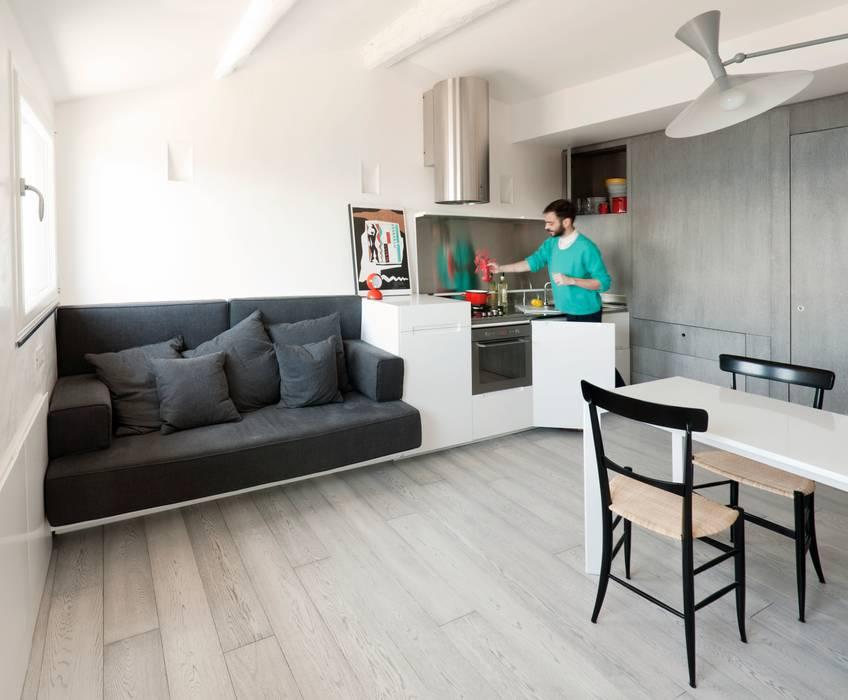 Cocinas de estilo moderno de gosplan architects Moderno