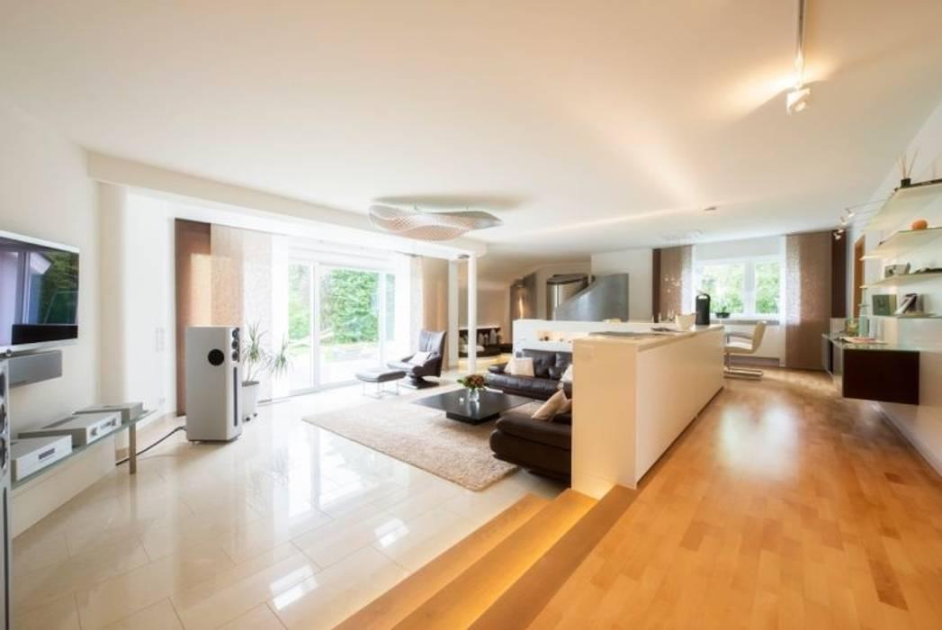 Exklusives wohn- und esszimmer moderne wohnzimmer von träume ...