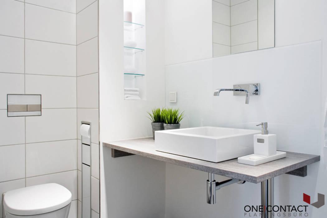 TANZ AUS DER REIHE:  Badezimmer von ONE!CONTACT - Planungsbüro GmbH