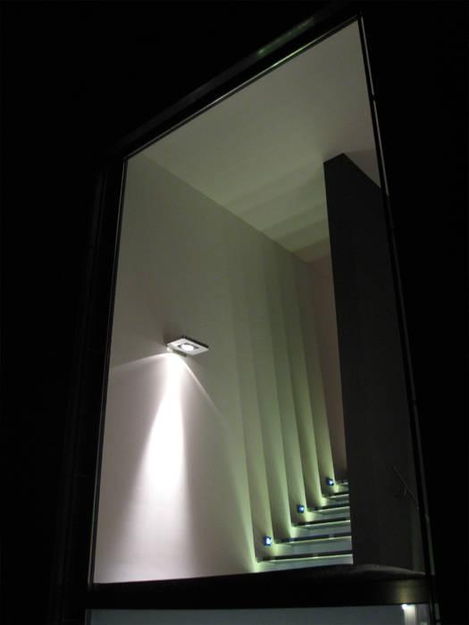 Atelier-Wohnung Moderner Flur, Diele & Treppenhaus von Lehmann Art Deco Architekt Modern