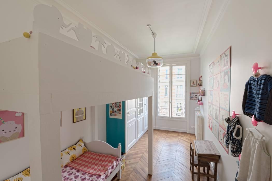 Dormitorios infantiles de estilo minimalista de homify Minimalista