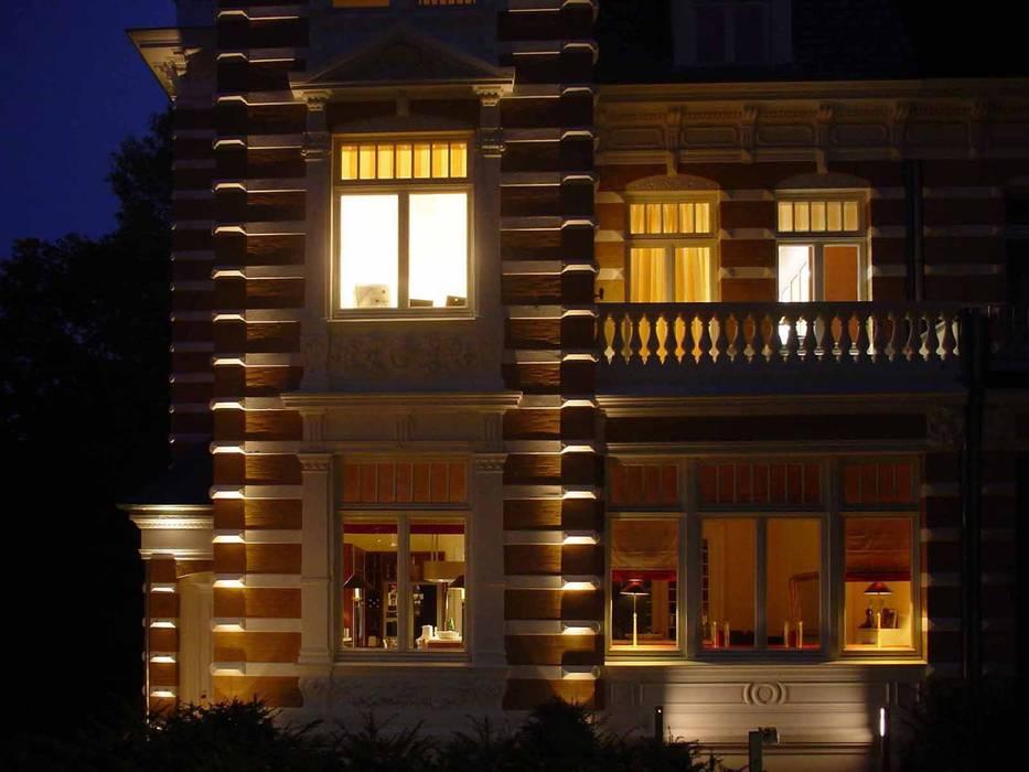 Private Villa by list lichtdesign - Lichtforum e.V. Класичний