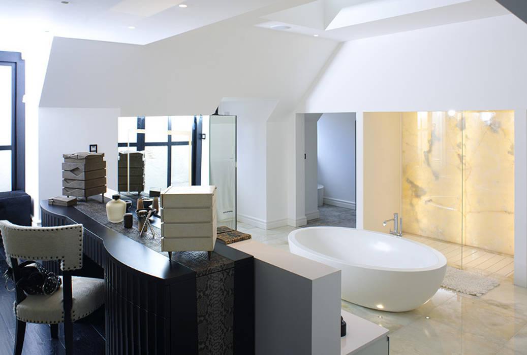 Master Bathroom:  Bathroom by zenotti