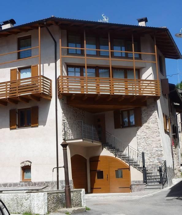 Vecchia casa ristrutturata : Case in stile in stile Rustico di Cubisoft