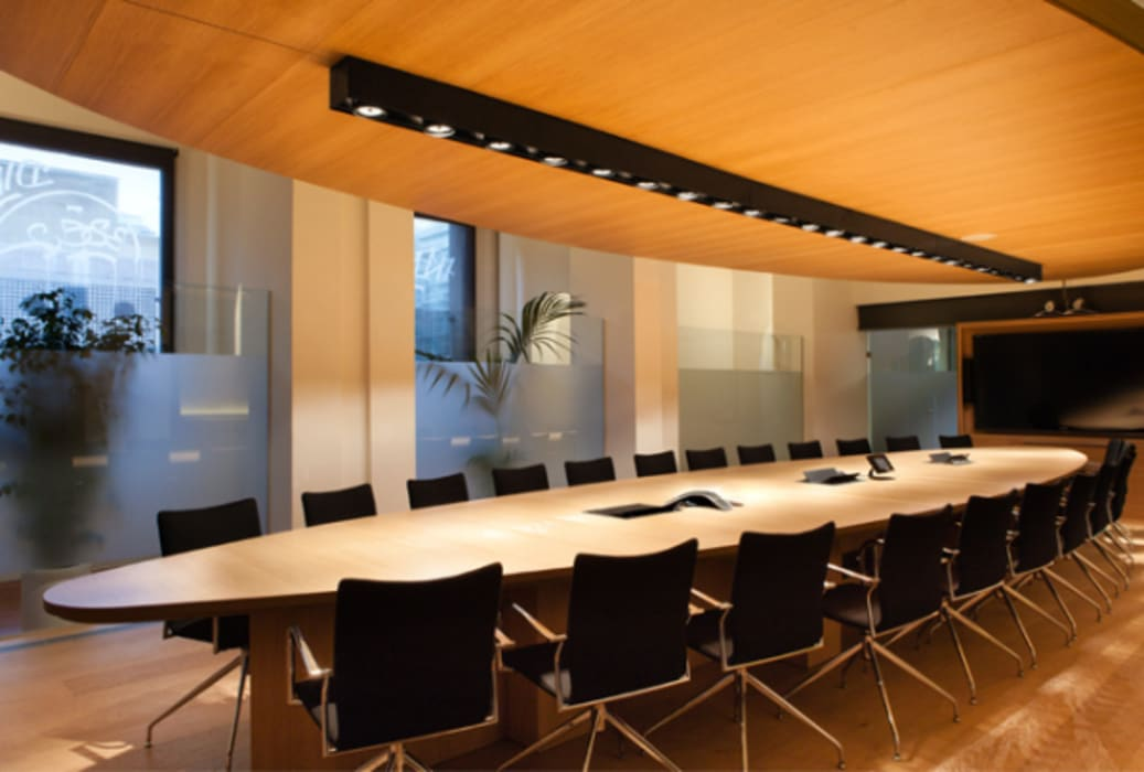 Sede de Fundación Open Society en Barcelona Fustacolor SL Oficinas y tiendas de estilo moderno