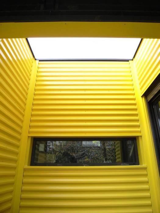 Casas de estilo industrial de Allegre + Bonandrini architectes DPLG Industrial
