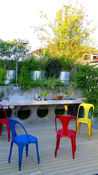 Patios & Decks by CRISTINA MAZZUCCHELLI GREEN DESIGN, Eclectic