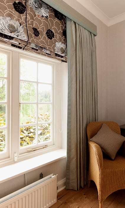 Bespoke Curtains & Blinds Country style bedroom by Elizabeth Bee Interior Design Country