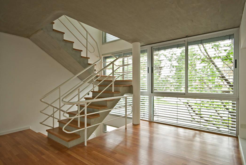 Escalera principal Pasillos, vestíbulos y escaleras clásicas de moarqs Clásico