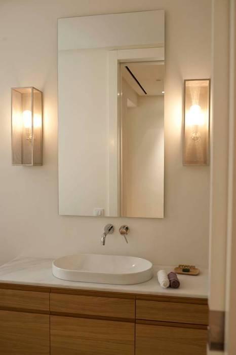 Mediterranean style bathroom by Chituca Velasco Mediterranean