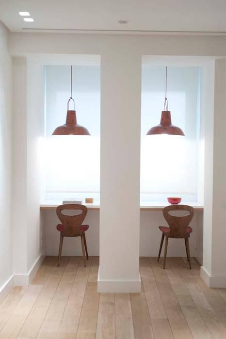 Mediterranean style study/office by Chituca Velasco Mediterranean