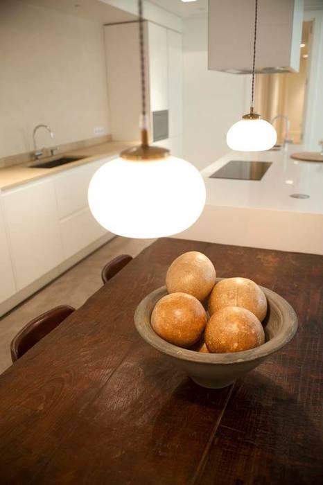 Mediterranean style dining room by Chituca Velasco Mediterranean