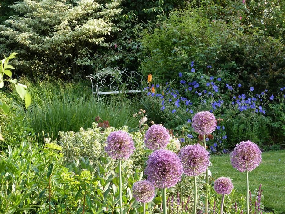 Jardins de Campagne Jardin classique par Landscapes & Cie Classique