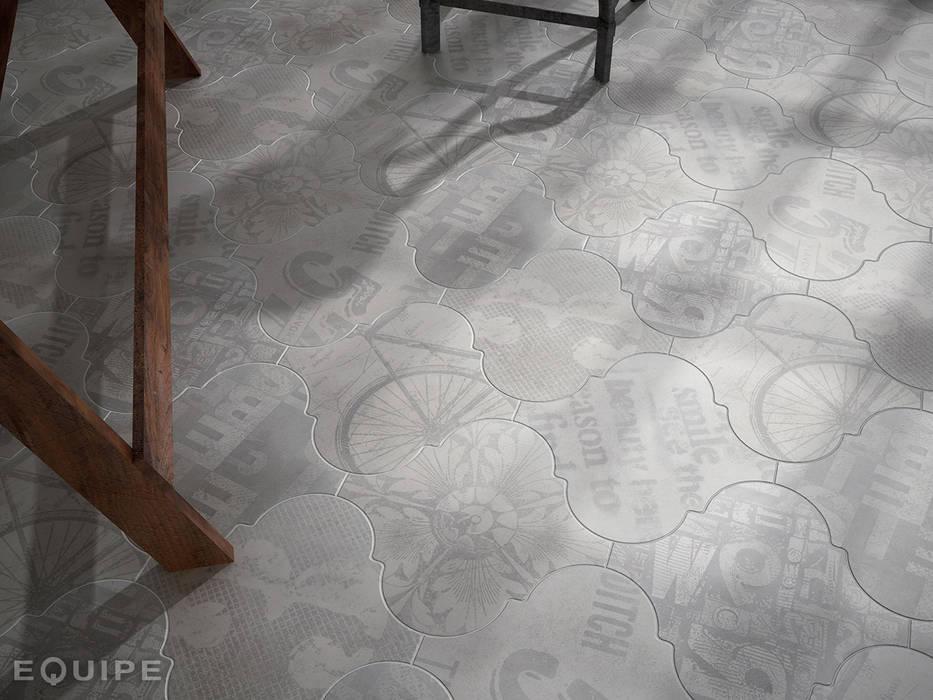 Curvytile Factory Avenue Grey  26,5x26,5: Estudios y despachos de estilo industrial de Equipe Ceramicas