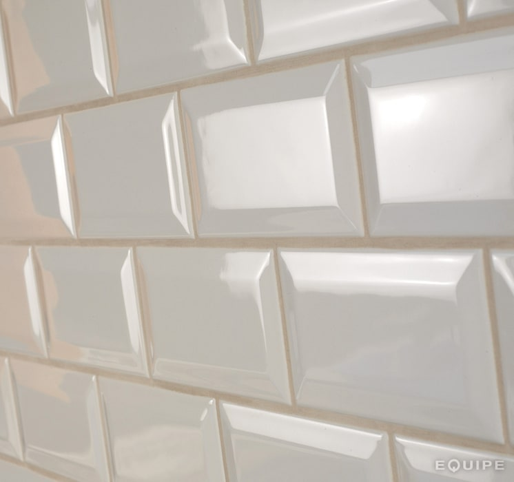 Metro Cream 7,5x15: Bodegas de estilo moderno de Equipe Ceramicas