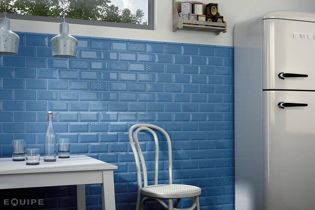Metro Blue, Decor Paradise Blue 7,5x15 homify Cocinas de estilo moderno
