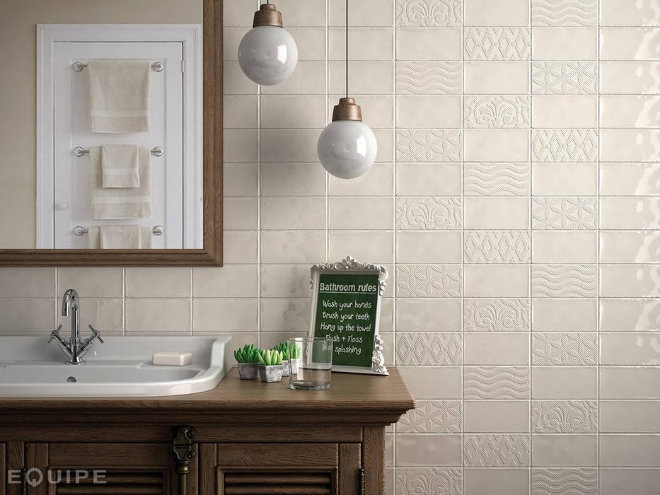 Masia Cream, Decor Jewel Cream 7,5x15: Baños de estilo rústico de Equipe Ceramicas