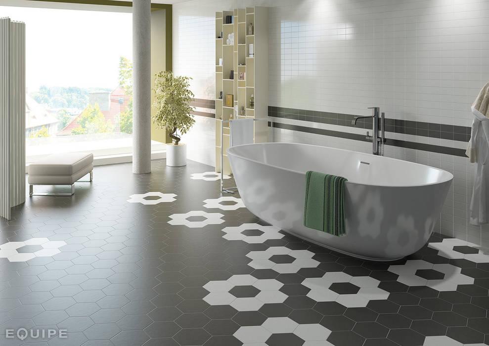 Hexatile Negro, Blanco mate 17,5x20: Baños de estilo moderno de Equipe Ceramicas