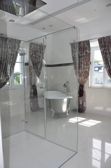 Bad weiß hell Klassische Badezimmer von Elke Altenberger Interior Design & Consulting Klassisch