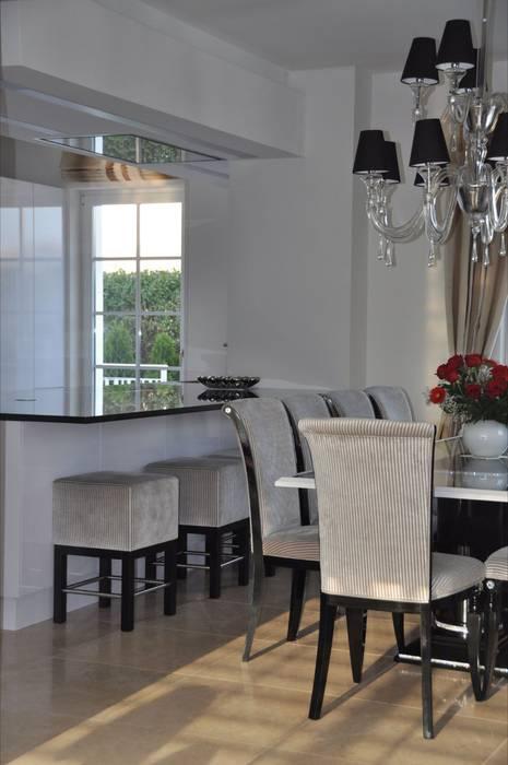 Küche und Essbereich: klassische Esszimmer von Elke Altenberger Interior Design & Consulting