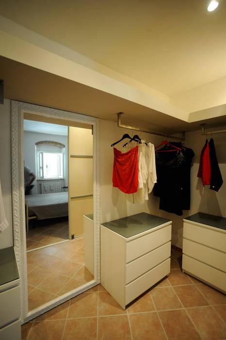 Bedroom by Luca Bucciantini Architettura d' interni