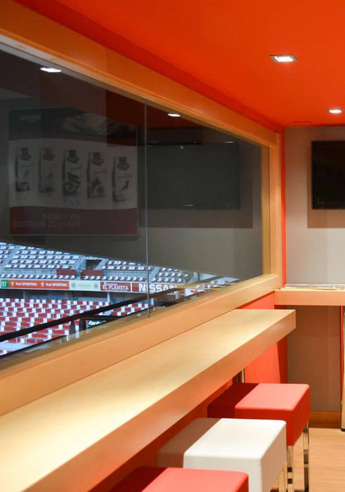 Palcos VIP II Estadios de estilo moderno de TEKNIA ESTUDIO Moderno