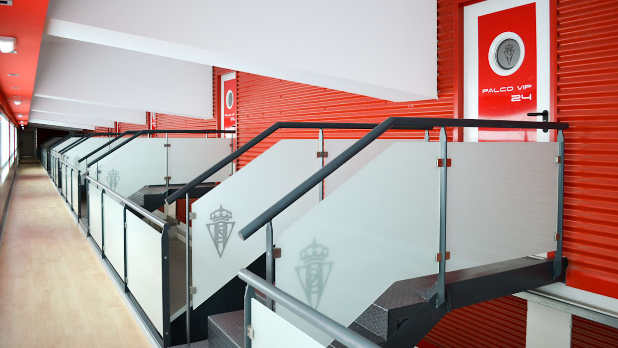Pasillo de acceso a Palcos VIP 22 Estadios de TEKNIA ESTUDIO