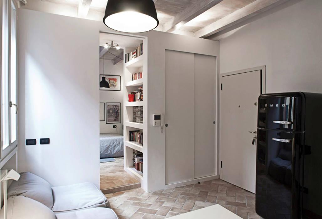 Ruang Keluarga oleh MIROarchitetti, Modern