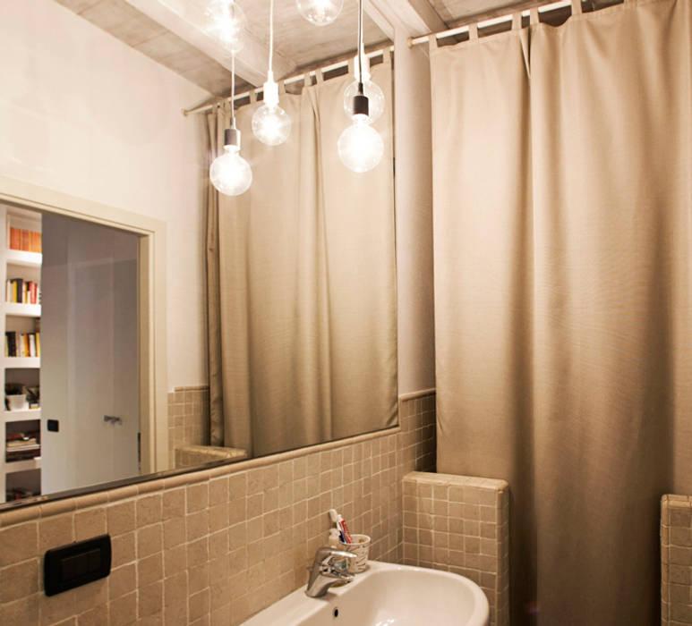 Salle de bains de style  par MIROarchitetti