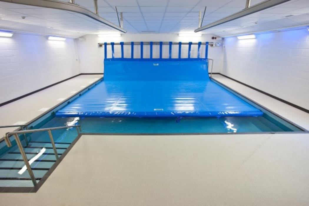 Advanced Hydrotherapy School Pool :  Schools by London Swimming Pool Company,