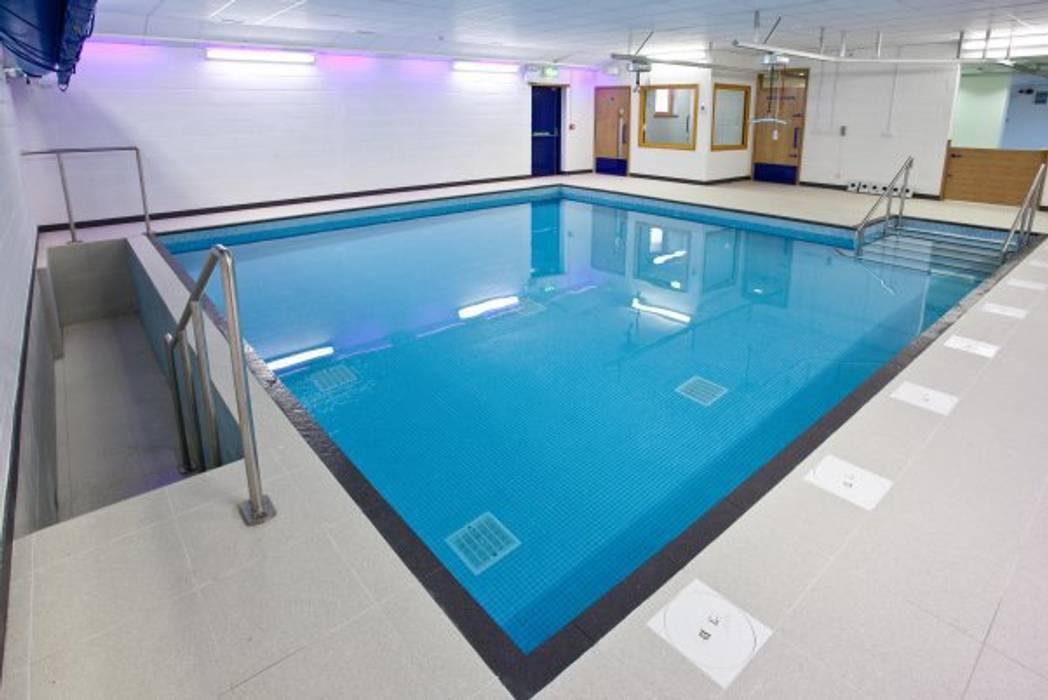 Advanced Hydrotherapy School Pool Moderne Schulen von London Swimming Pool Company Modern