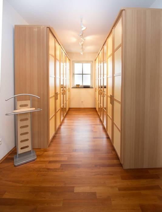 Ankleide:  Ankleidezimmer von Luna Homestaging
