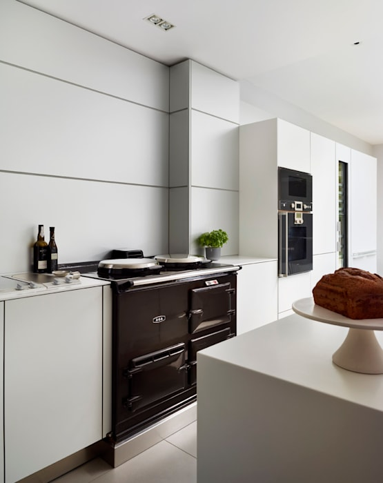 Victorian house conversion:  Kitchen by Genevieve Hurley Interiors Ltd