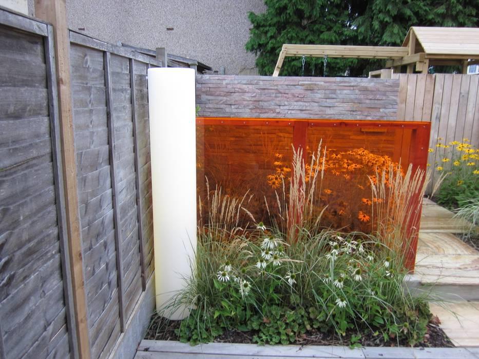 Modern Family garden in North London Earth Designs Modern garden