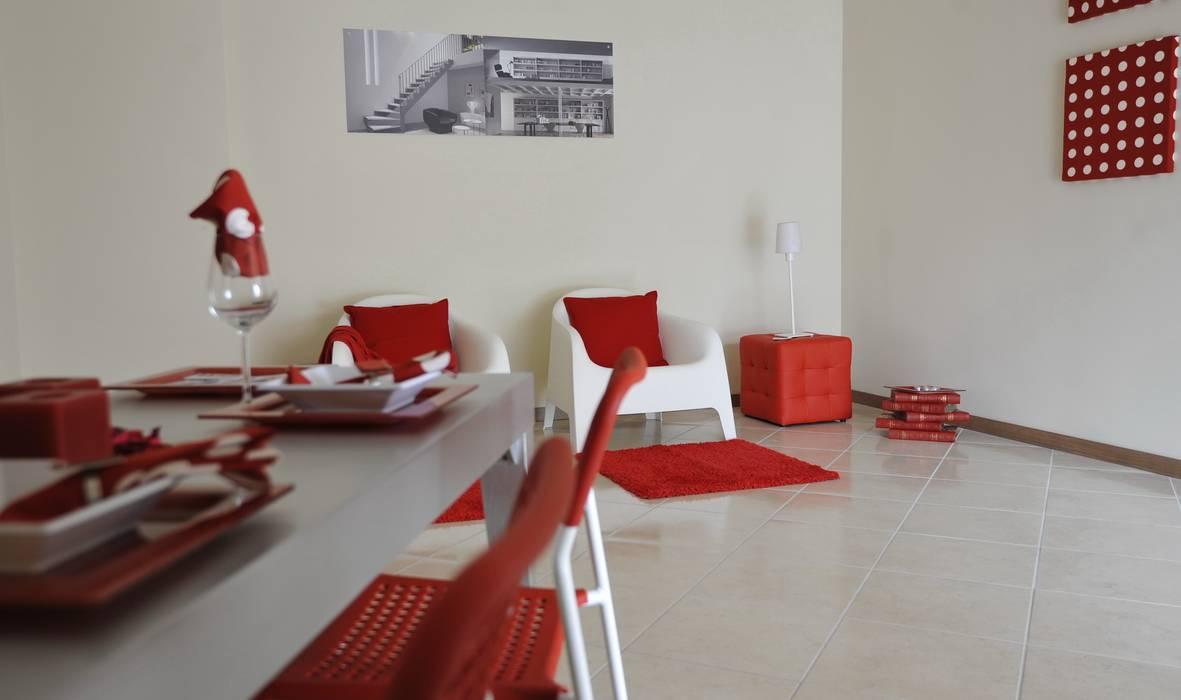 zona giorno: Sala da pranzo in stile in stile Moderno di Gabriella Sala   Home Staging & Relooking Specialist