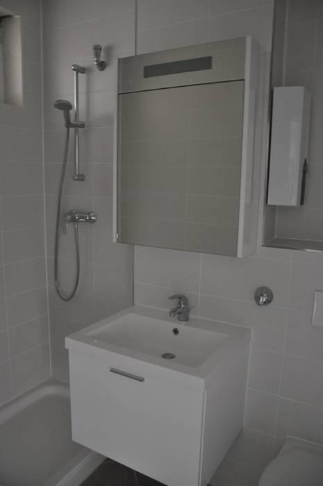 Badezimmer vor dem Home Staging Moderne Wohnzimmer von Optimmo Home Staging Modern
