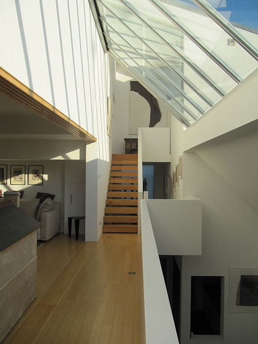 The gallery Modern corridor, hallway & stairs by 4D Studio Architects and Interior Designers Modern
