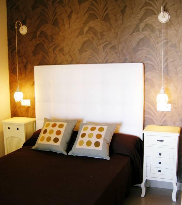 Dormitorio: Dormitorios de estilo colonial de Paco Escrivá Muebles