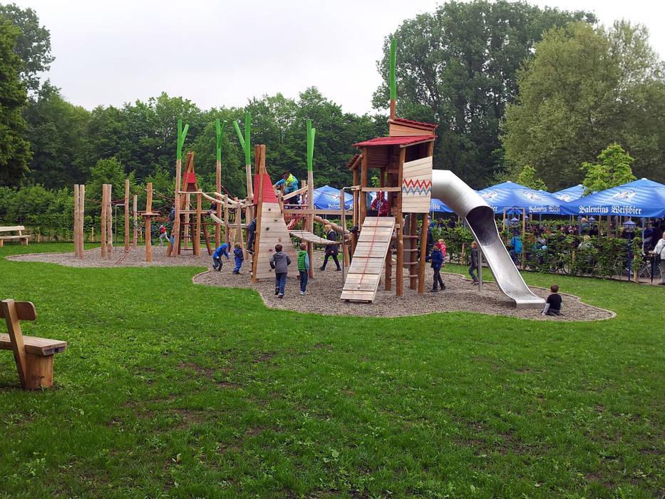 """Spiel- und Kletterlandschaft """"An der Schließ"""", Zweibrücken von Planungsbüro STEFAN LAPORT Landhaus"""