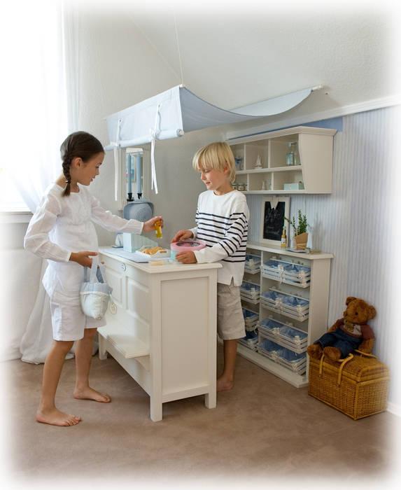 Kinderkaufladen JÖRDIS Skandinavische Kinderzimmer von YUYO`s Schöne Kinderzeit Skandinavisch