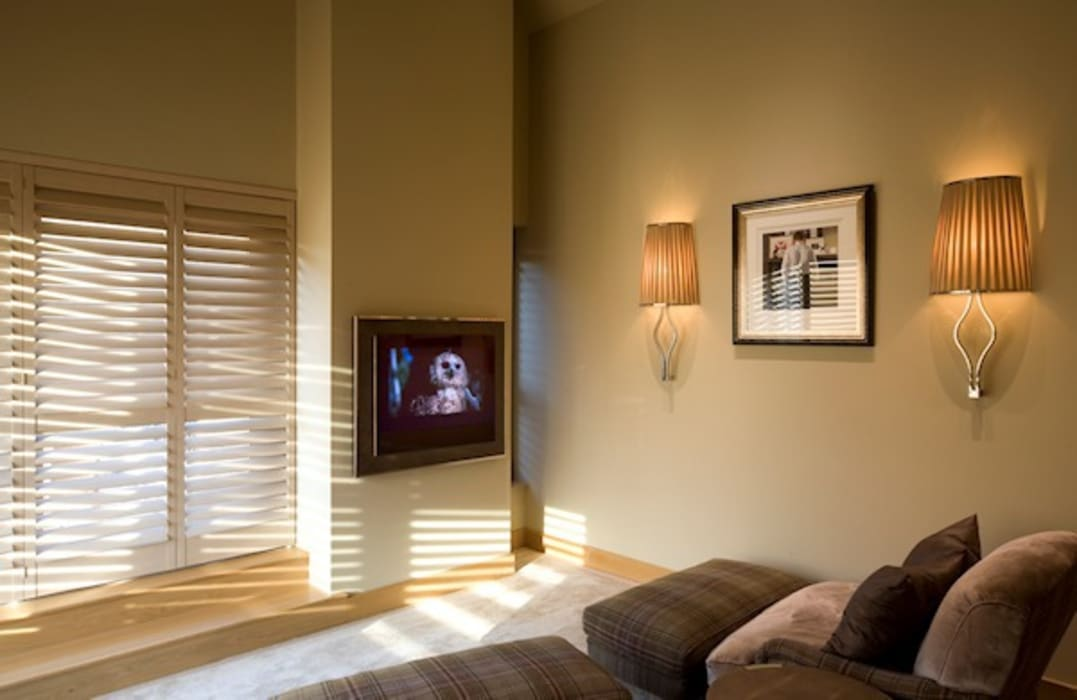 The TV Snug Modern style bedroom by Brilliant Lighting Modern