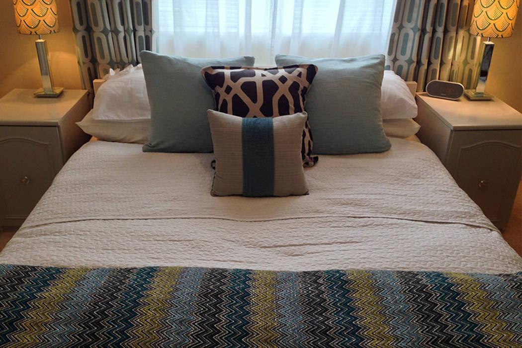 Master bedroom Modern style bedroom by Karolina Barnes Studio Modern