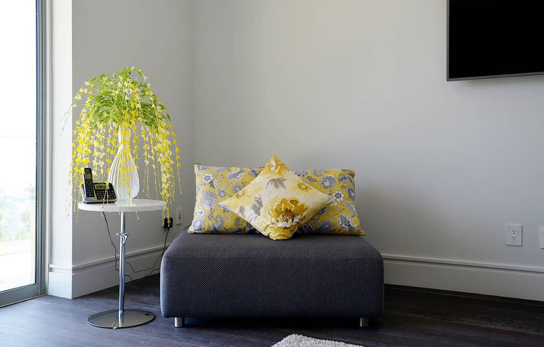 Modern style bedroom by Erika Winters® Design Modern
