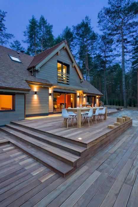 Modern balcony, veranda & terrace by blackStones Modern