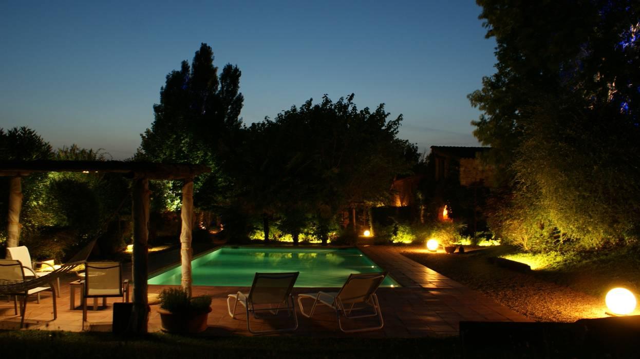 Iluminación exterior OutSide Tech Light Jardines de estilo rústico