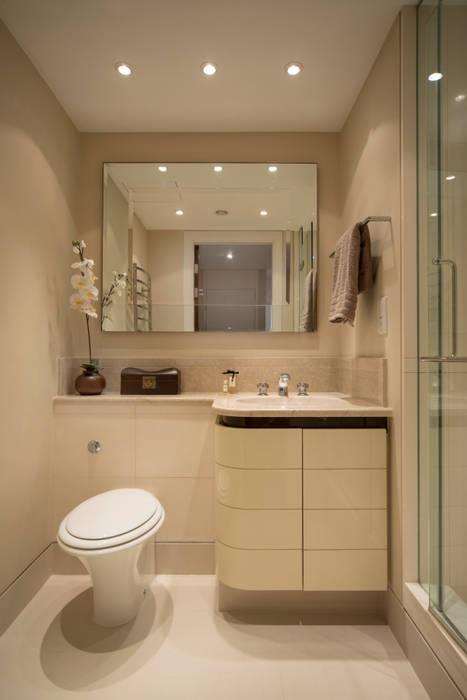 Guest Bathroom:  Bathroom by STUDIO[01] LTD